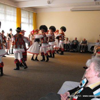 Mesager al tradițiilor românești peste hotare – Ansamblul Măgura Codlea