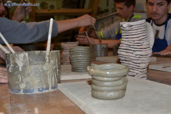 Cursuri de ceramică și sculptură